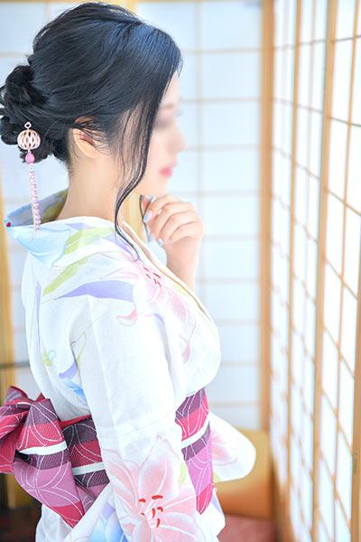 川崎最高級ソープランド 琥珀 女性イメージ